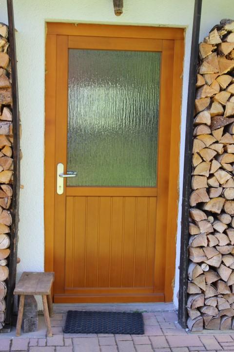 Fensterbau Arnold Fluorn Winzeln Türe braun